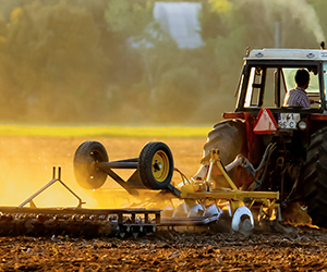 agribusiness-tractor