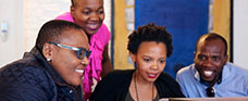 business school netherlands-mba-students-brainstorming